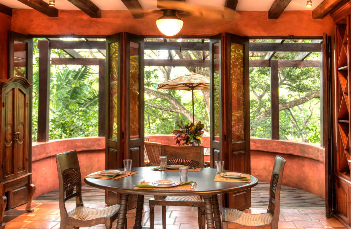 Casa Barrigona Dining With View