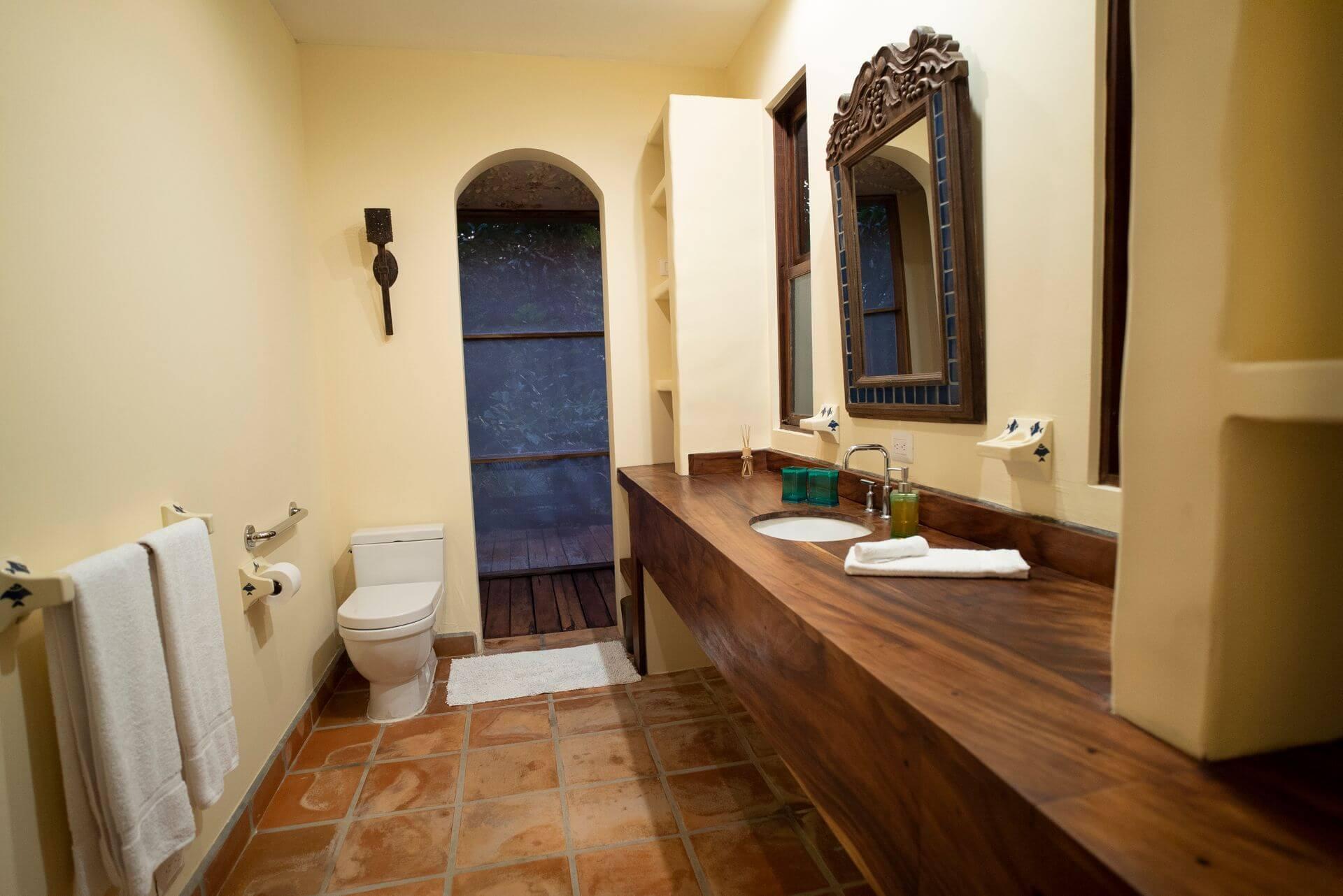 Casa Guanacaste Bathroom Hacienda Barrigona